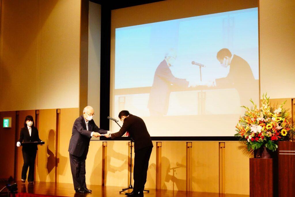 九州ニュービジネス大賞表彰式の様子
