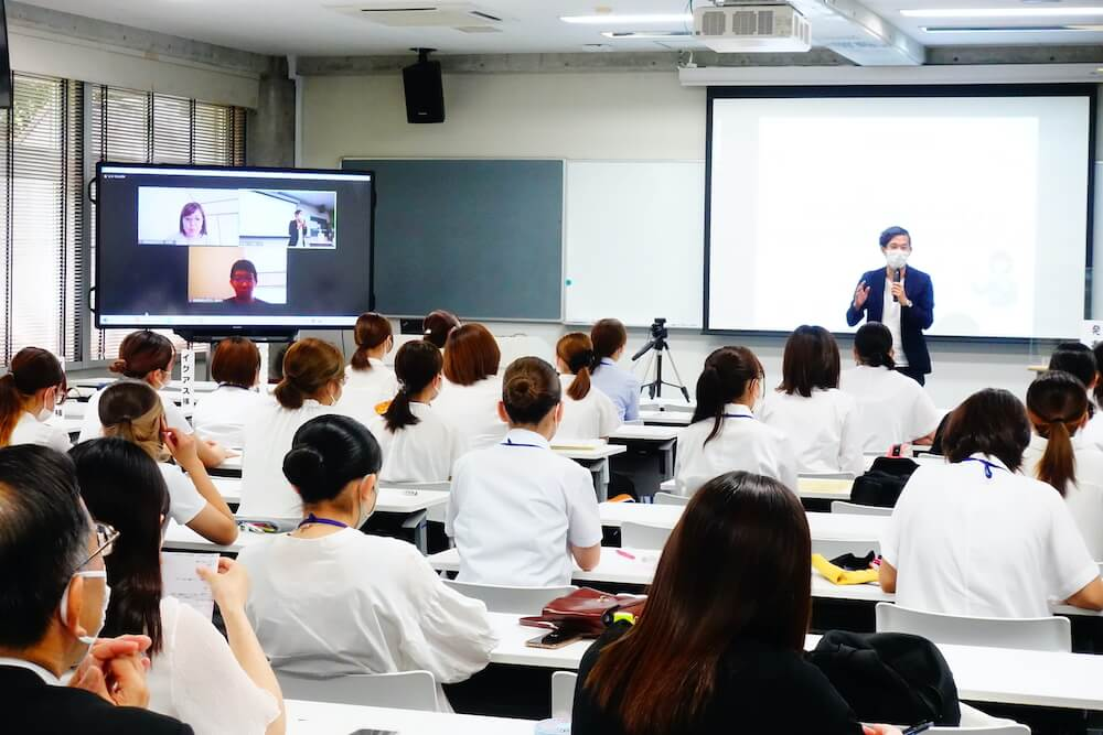 長崎女子短期大学に卒業必修科目として提供している授業「parcy's for School」にて生徒による最終プレゼン大会がありました。